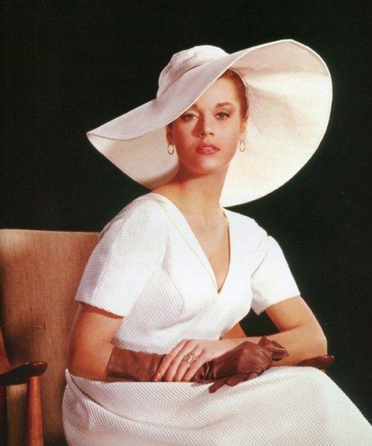Beautiful ️Jane Fonda ready to create the publicity photos