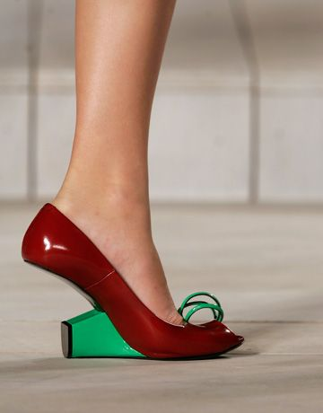 Saw someone wearing these genius Marc Jacobs shoes on the 1 train the other day. It was like seeing a unicorn...(Great re-pin....j)