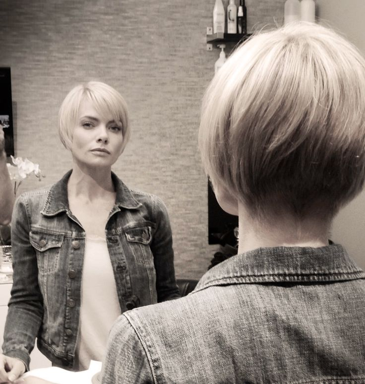 Jaime Pressly's new hair style... like I said earlier - long or short - Jaime never had a bad hair day! One of the few I find sexy even with short short hair!