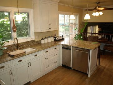Kitchen with peninsula - traditional - kitchen - detroit - BR Wood Design