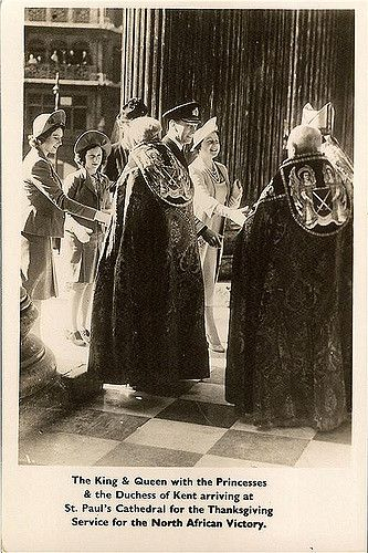 König George VI. von England mit Familie beim Thanksgiving Gottesdienst   by Miss Mertens