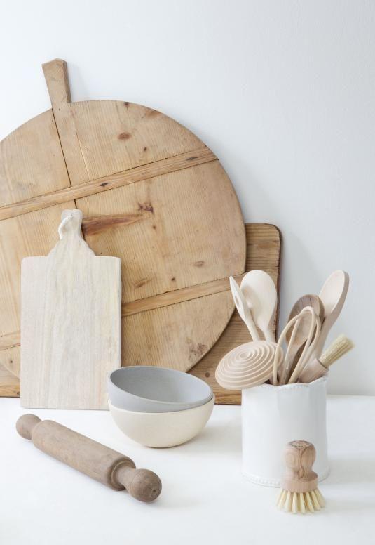 EK★ white kitchen details
