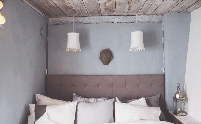 att vara någons fru.. using Antique bleu from Kalklitir in her bedroom ;)