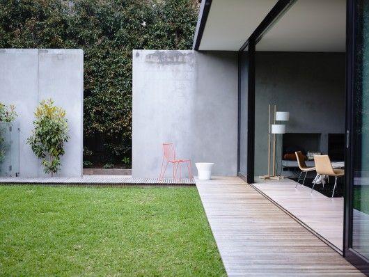 Architects: Foong + Sormann Location: Elwood VIC 3184, Australia Area: 740.0 sqm Year: 2011 Photographs: Derek Swalwell, Courtesy of Foong + Sormann
