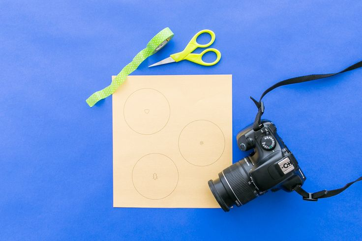 Freebie Alert! Bokeh Lens Covers To Win The Holiday Photo Game via Brit + Co