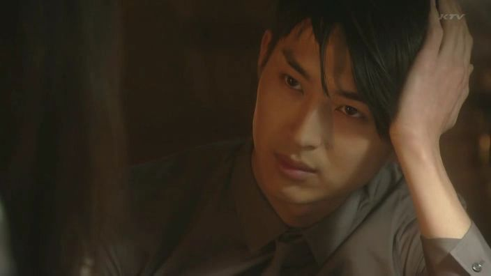 Matsuda Shota - Holy smokes, I wished I was in this situation so I can bear witness to that piercing stare...