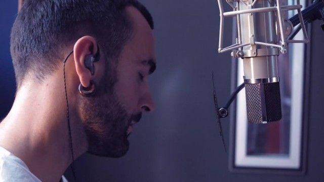 Marco Mengoni racconta Le Cose che non ho: video intervista