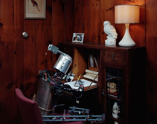 Photographer Thomas Jackson offers us a peek into the daily life of a robot.
