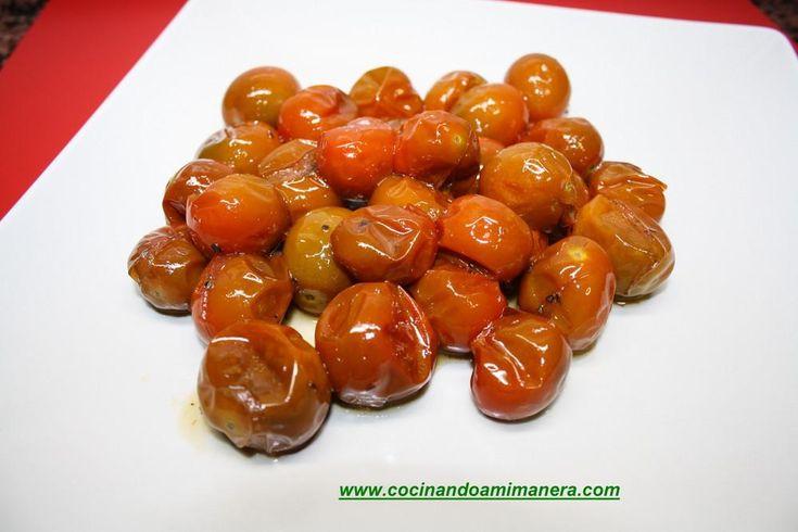 Tomates glaseados para servir como guarnición de carnes y pescados