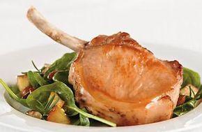 CÔTELETTES DE PORC AUX POMMES ET À L'ÉRABLE http://www.leporcduquebec.com/fr/recettes/84/cotelettes-de-porc-aux-pommes-et-a-l-erable