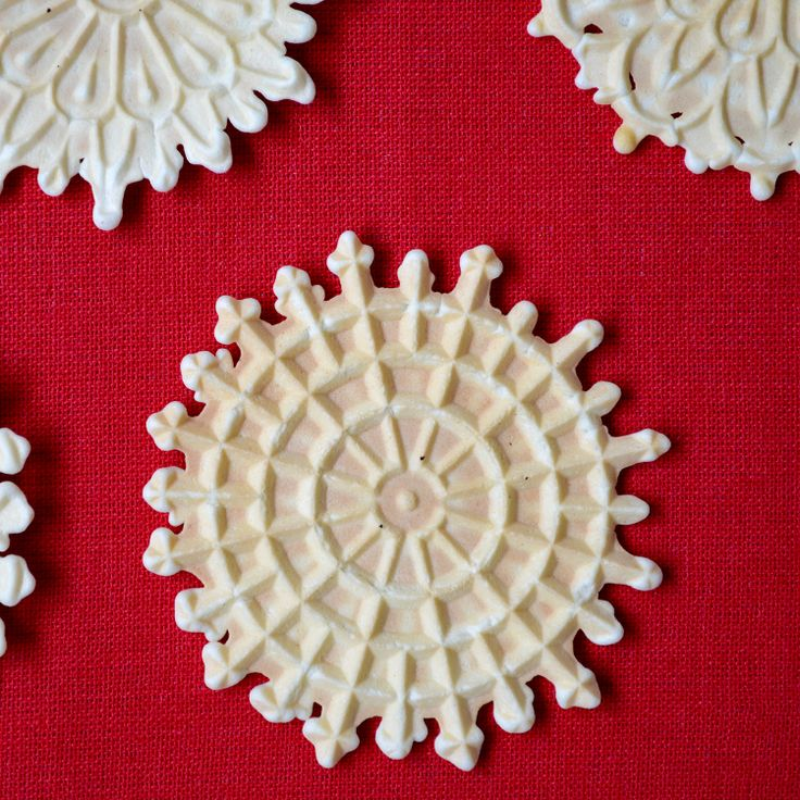 Delicate. Thin. Crispy. Wafer like. This is how I would describe this classic, authentic, Italian cookie: Pizzelle della Nonna. This amazing recipe for pizzelle is an easy, simple, no butter recipe, that can simply be flavored with vanilla, anise. or even chocolate. Includes storage tips on how to keep pizzelle crispy.