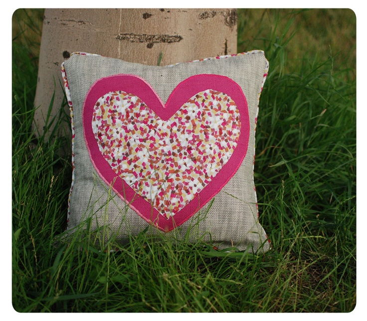 I Heart Cushion ! ~ h a n d m a d e ~ http://buburuze.wordpress.com/2013/06/13/summer-cushions/