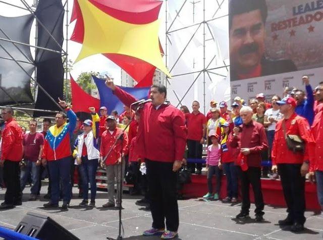 #TOMADECARACAS: DESBARATAN PLAN GOLPISTA Y CAPTURAN PARAMILITARES COLOMBIANOS    Apenas 30 mil personas asistieron a la marcha convocada por la MUD Un aproximado de 30 mil personas asistieron este jueves primero de septiembre a la marcha convocada por la autodenominada Mesa de la Unidad Democrática (MUD) lo que representa un déficit de 970 mil personas. Así lo manifestó el periodista venezolano y revolucionario José Vicente Rangel durante la concentración del huracán bolivariano concentrado…