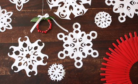 Kid's Christmas Activities | Paper Snowflakes