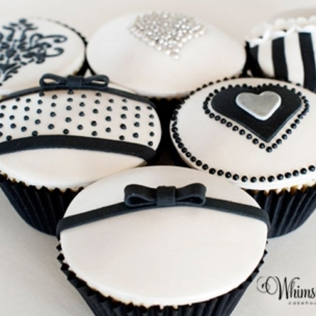 Color Negro y Blanco - Black & White!!! Black and white cupcakes