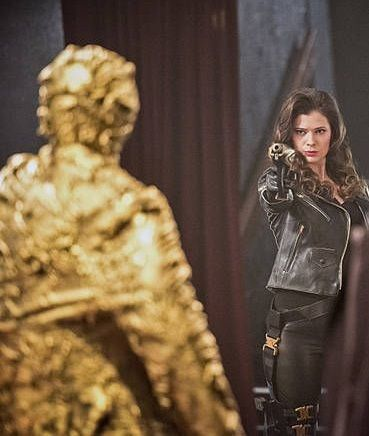The Flash: Lisa Snart/Golden Glider (villain)