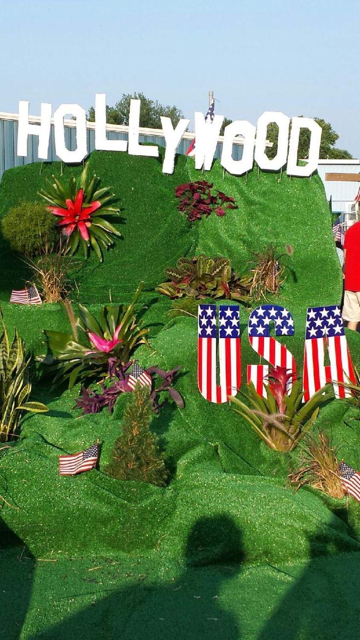Christmas parade ideas - Hollywood Theme Parade Float