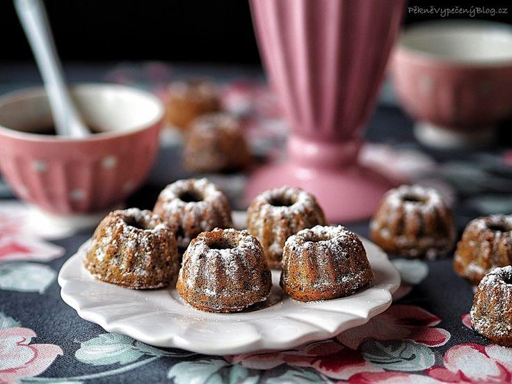 Makové bábovičky - Poppy seed bundt cakes  www.peknevypecenyblog.cz