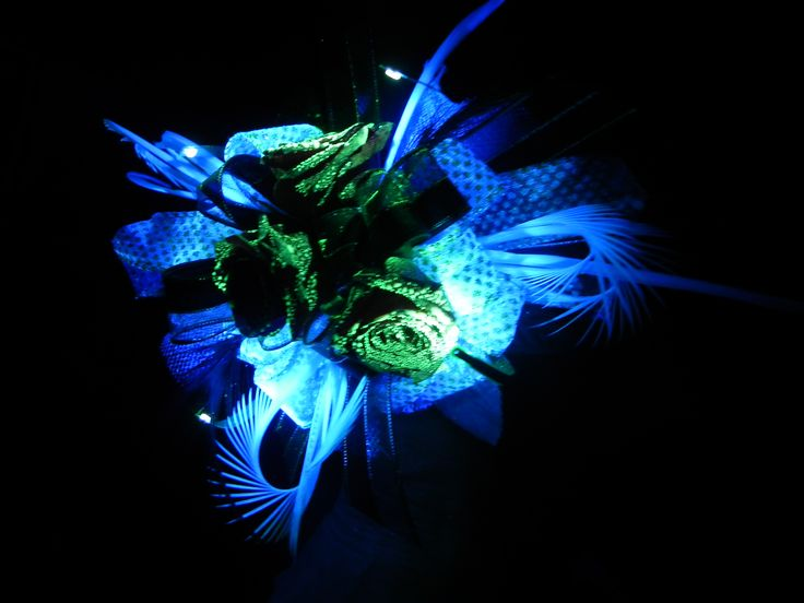 Glassia Flowers Fluorescence corsage