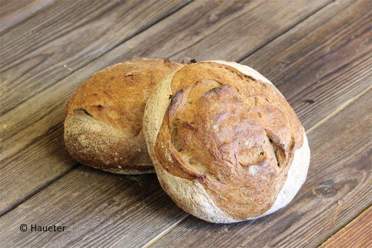 Knuspriges Brot von der Bäckerei Haueter in Adelboden.