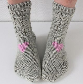 Easy Knit Baby Booties Free Pattern : 123 best Niina Laitinen designs images on Pinterest Pattern library, Socks ...