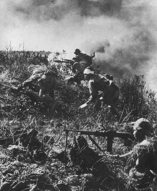 Hit and Run – The North Vietnamese Army attacks. By Arnold Krause. SSG Arnold Krause C 2/12th Infantry was interviewed byPeter Alan Lloydas part of his research for BACK (see: In Vi...