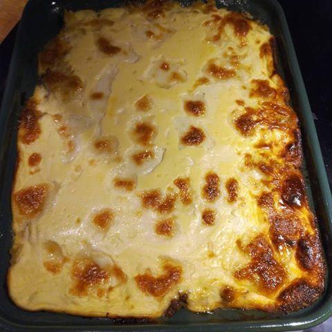 Gresk inspisert rett i ildfast form som smaker nydelig med feta ost og gresk yoghurt. Retten kan brukes både til middag eller hvis en skal ha noen venner/venninner på kvelden. Jeg servert denne med…