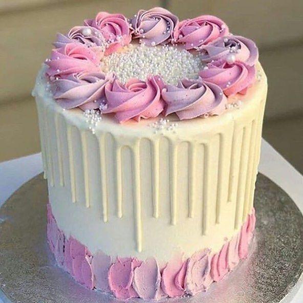 Cake Design On Instagram Pink Cake Chocolate Chocolatecake Heart Eshgh Naghashi Asheghi Cakedecorating Newyear New Drip Cakes Cake Cake Decorating