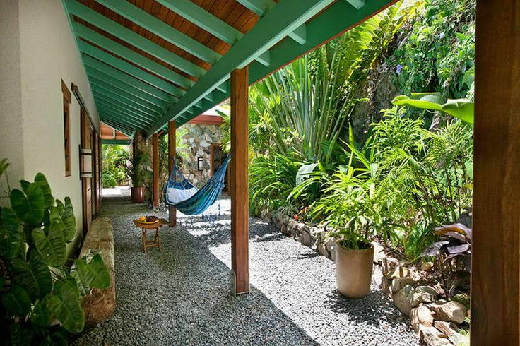 45 best n tha shade images on pinterest for Small shady courtyard ideas