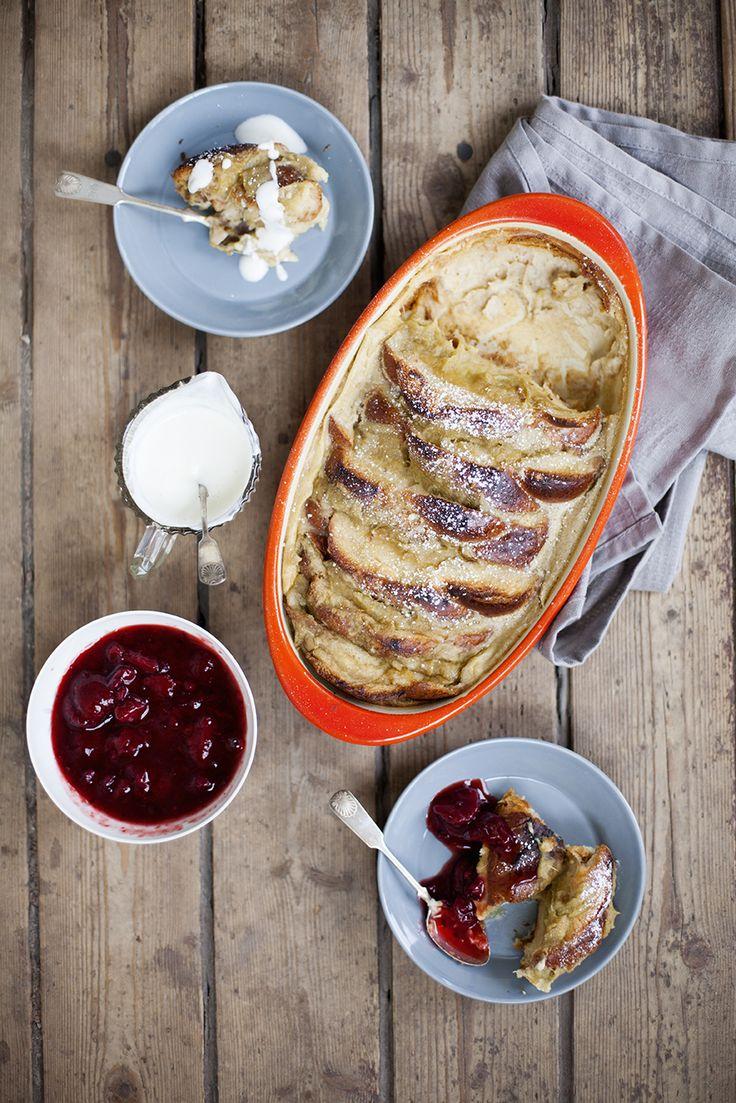 Brödpudding, en riktig svinnklassiker: http://martha.fi/sv/radgivning/recept/view-93381-4505