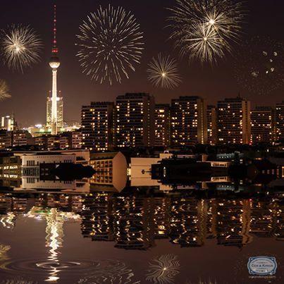Ein glückliches neues Jahr! #Berlin saya hello to 2014!  Ring in the new year with firecrackers and some festive spirit!