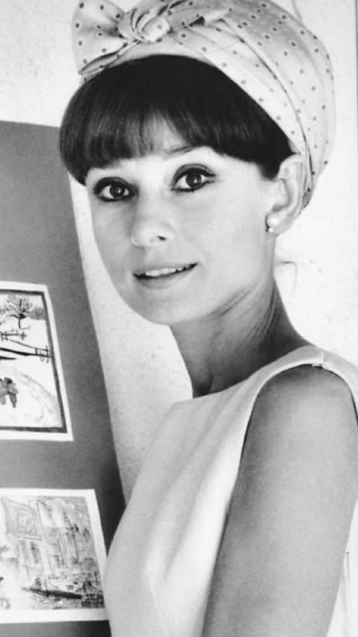 The great #AudreyHepburn in a old portrait ||| #ActressHollywood ...