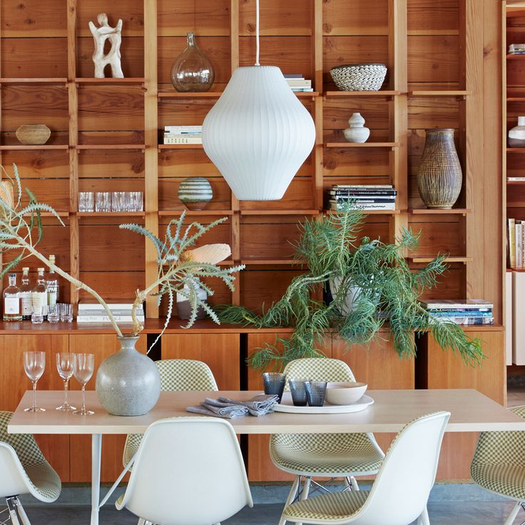 Nelson Bubble Pear Suspension by Herman Miller. Get it at LightForm.ca