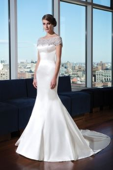 Elegant Touch Bridal and Tuxedo | fullsl and Tuxedo shopervice BridaBridal Gowns, Bridesmaid, Tuxedos,Prom,Mother Of The Bride Gowns,Tuxedo shop,Baltimore county, Baltimore City, aryland - Sample Sale