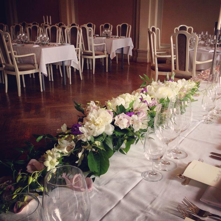#bröllop #blommor #grandhotell #dukning