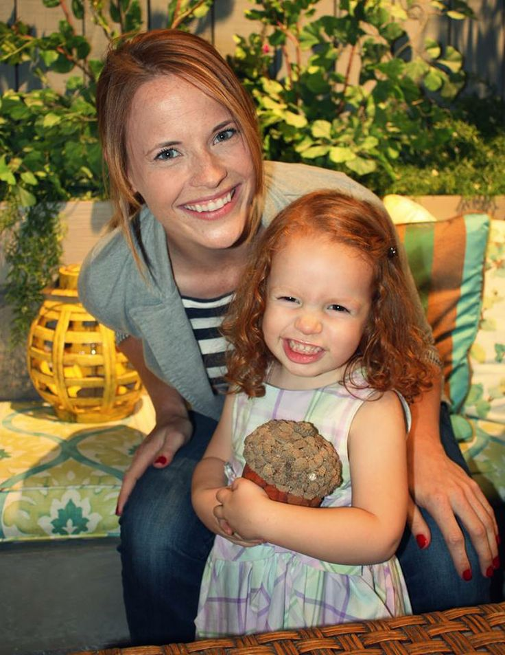 Katie Leclerc with shows younger Daphene ~ Switched at Birth