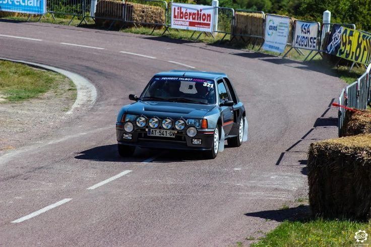 #Peugeot #205 #T16 à la Montée Historique de #Montgueux Article original : http://newsdanciennes.com/2015/08/30/grand-format-course-de-cote-et-montee-historique-de-montgueux/ #Classic_Cars #Vintage #Racing #Voiture #Ancienne