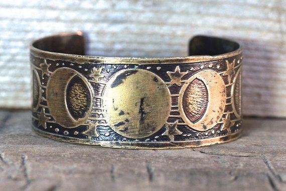 Geätzte Messing Manschette Armband geätzt Manschette Armband Messing Manschette Moon Phase Schmuck Lunar Schmuck Galaxy Schmuck Celestial Jewelry Moonphase