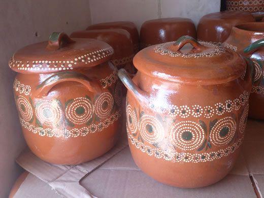 Venta de ollas de barro. Ollas mexicanas de barro hechas a mano.