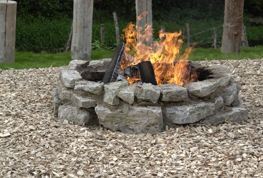 rustic fire pits | ... rustic entertainment and feel that building a stone fire pit would