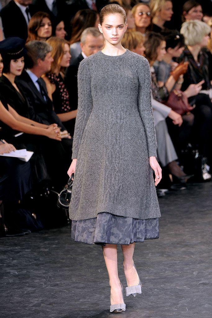 Louis Vuitton Fall 2010 Ready-to-Wear Fashion Show - Caroline Brasch Nielsen