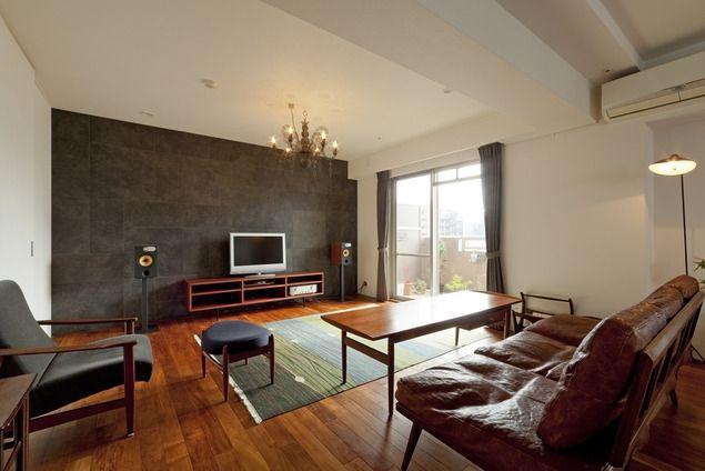 リビング1(チークの無垢材も壁面タイルも全て脇役。大好きなトラックファニチャーの家具を主役に。) - リビングダイニング事例|SUVACO(スバコ)