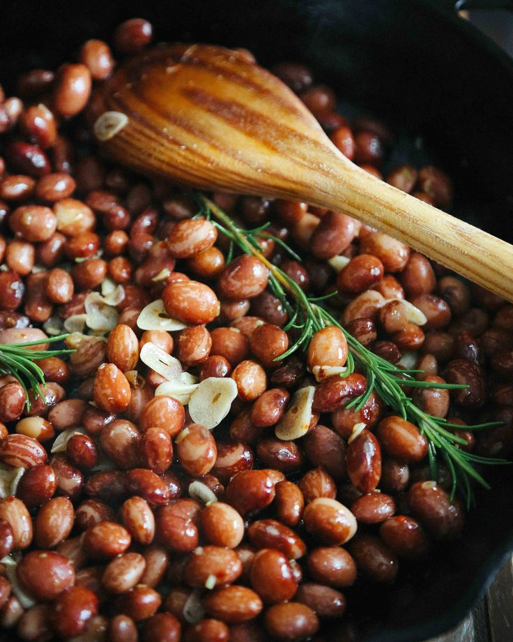 beans with garlic, rosemary, and aleppo pepper