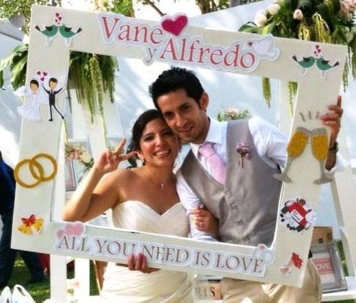 Wedding partyframe marcos de fiesta pinterest wedding - Marcos de plata para bodas ...