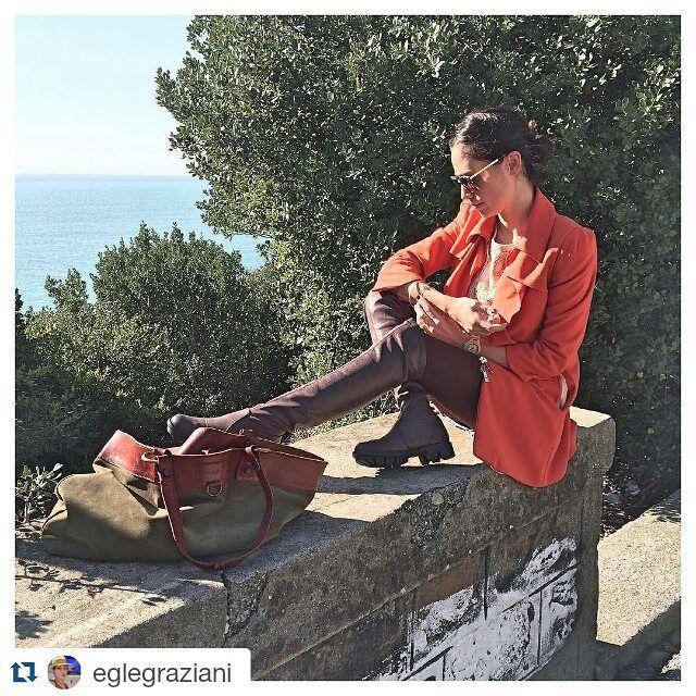 Egle Graziani di To Be Addicted to Shoes indossa gli stivali ROCK sopra al ginocchio della collezione Fall winter 2015-16 #nrrapisardi #rapisardi #overknee #cuissardes #stretch #boots #stiefel #stivali #cuissard #overtheknee #madeinitaly #fashionblogger #streetsyle #orangecoat #dress #boots #stretchboots #brownboots #ootd #outfit