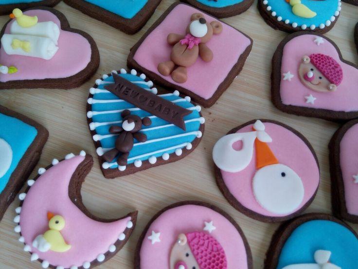 Unas lindas galletitas para dar una hermosa bienvenida  Siguenos en Facebook @cdulcelimon   #cupcakes #cupcakesdulcelimon #galletas #cookies #regalos #reposteria #baby #babygirl #babyboy #babyonboard #babyshower #bebés #Medellin #chocolate #colorful #colombia #viral #trendy #followus