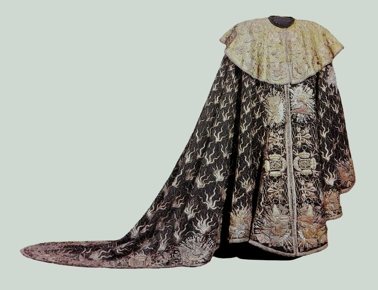 Gown of a Knight of the Order of the Holy Ghost presented by Louis XIV of France to John III Sobieski by Anonymous from Paris, 1675-1676, Zamek Królewski na Wawelu, given to the king in Zhovkva on 30 November 1676 together with other order insignia