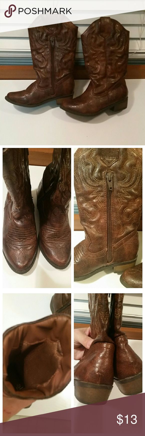 Brown girls cowboy boots In brand new condition. Shoes Boots