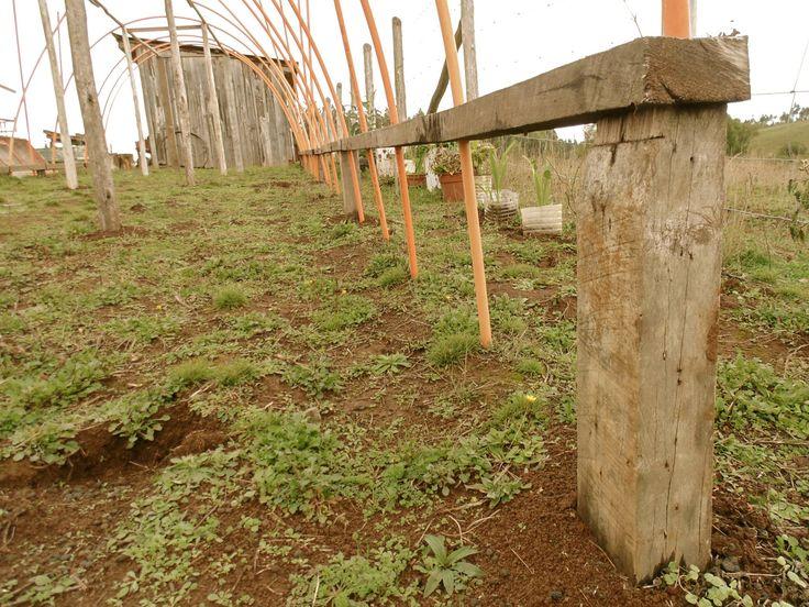 """#Construcción de #Invernadero. ---- Fotog.: Serie Parcela Liwenray """"Invernadero"""" ©ClaudiaMelladoÑancupil"""