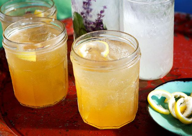 Whiskey Collins | 19 Lazy Whiskey Drinks That Are Bae